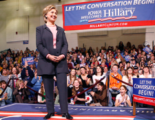 Clinton Is Not Qualified to Be Commander-in-Chief
